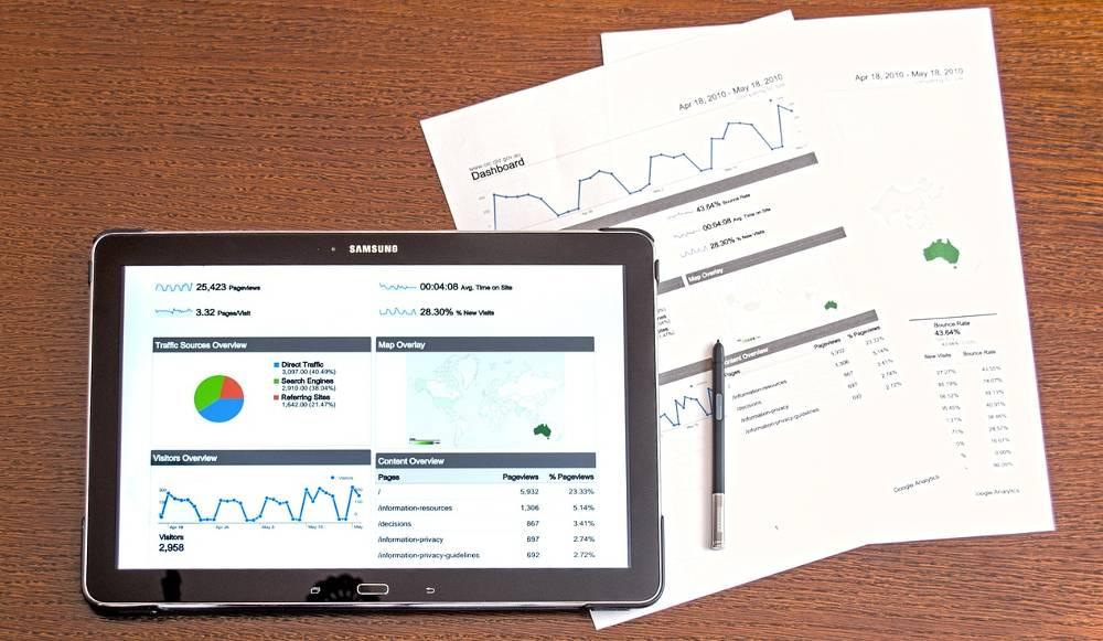 Bild mit einem Ausdruck von einem Website-Check zur Thematik kostenlose SEO-Analyse